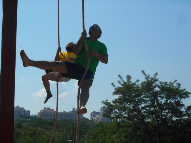Šplh na laně s Petrem Kulovaným
